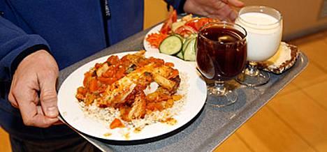 Työpaikkaruokailu on tärkeää, sillä työpäivä jatkuu usein pitkälle lounaan jälkeen.