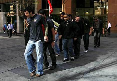 Näin australialaiset moonwalkkaavat!