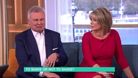 Eamonn Holmes nyrpisteli nenäänsä miettiessään partakarvoitusta miehillä.