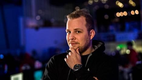 Taneli toivoo, että suomalaiset CS-pelaajat ottavat itseään niskasta kiinni ja nostavat Suomen takaisin huipulle.