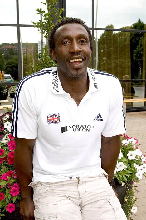 Linford Christie pitää yhä hallussaan sadan metrin Ison-Britannian ennätystä 9,87.