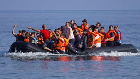 Eurooppaan saapuvista turvapaikanhakijoista 70 prosenttia on miehiä. Kuvassa syyrialaisia saapumassa Lesboksen saarelle Kreikkaan.