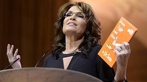 Sarah Palinin Facebook-päivitys on aiheuttanut vilkasta keskustelua.