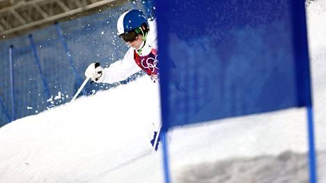 Jimi Salonen laski ensimmäisen kerran palkintopallille maailmancupissa. Kuva Sotshin olympialaisista.