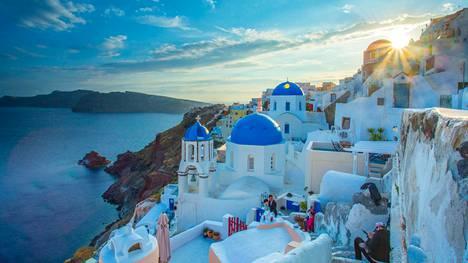 Kreikan saaret houkuttelevat kesäisin suomalaisia. Santorini on yksi suosikeista.