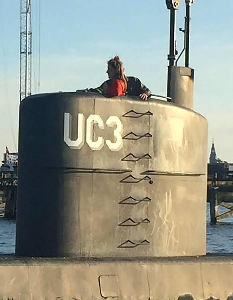 Viimeinen kuva Kim Wallista (vas.) Madsenin rakentaman sukellusveneen tornissa ennen surmaa elokuussa 2017.