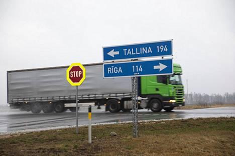 Tallinnasta ajaa Latvian puolelle viinakauppoihin noin 2,5 tunnissa.