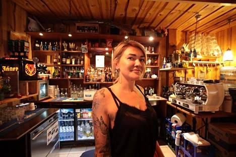 Anastasia Kurkulan mukaan Lokaal Saloon -ravintola ehti olla kevään aikana kiinni puolitoista kuukautta
