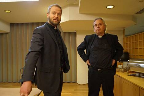 Kirkkoherrat Teemu Laajasalo ja Sammeli Juntunen ovat opiskelukavereita.