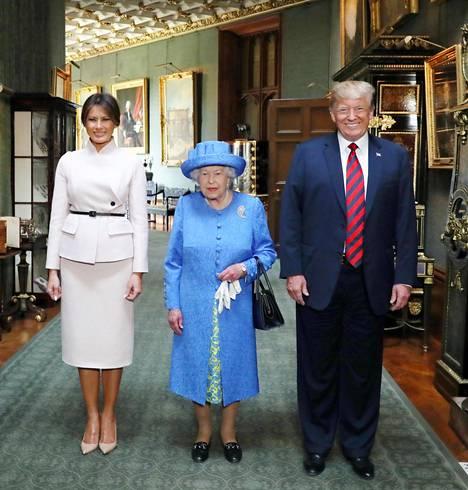 Presidentti Trump ja Melania tapasivat kuningatar Elisabetin lyhyesti jo vieraillessaan Britanniassa viime kesänä, mutta tuolloin kyseessä oli valtiovierailun sijaan työvierailu.