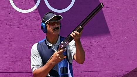 Kuwaitin Abdullah Alrashidi oli finaalin nestori. Kun pistooliampujat Pentti Linnosvuo ja Väinö Markkanen vuolivat kultaa Tokion olympiakisoissa 1964, Alrashidi oli juuri täyttänyt vuoden.