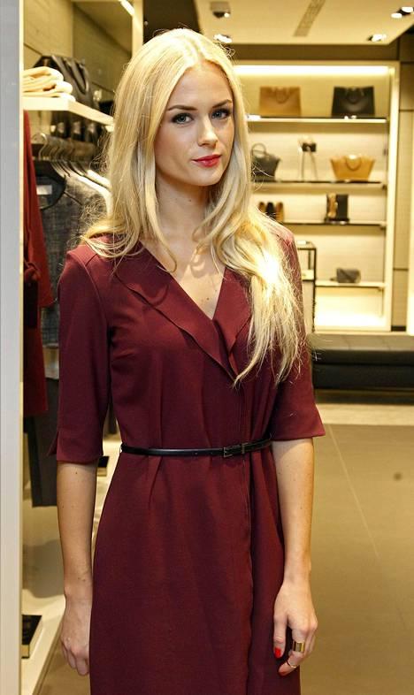 Vivianne Raudsepp kuvattuna vuonna 2014. Raudseppia ei haastateltu kirjaa varten, eikä Haberia jännitä entisen rakkaansa reaktio kirjaan.