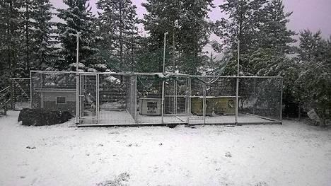 Lumipeite ja kaksi pakkasastetta Oulussa tiistaina.