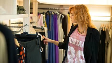 Jotkut vaatteet ovat pikemminkin kiistaton riski kuin ostamisen arvoisia, toteavat muotialan asiantuntijat.