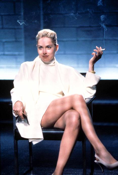 Basic Instinct -elokuvan vilautuskohtaus teki Sharon Stonesta seksisymbolin.