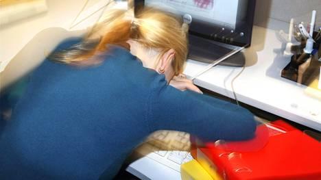 Vältä kohtalokas kierre – tunnista työuupumuksen 10 oiretta