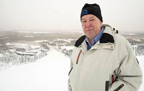 Pertti Yliniemen mukaan charter-matkailijat jakautuvat neljälle lenyokentälle koko talvikauden osalta.