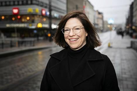 Apulaispormestari Anni Sinnemäki väläyttää areenan mahdolliseksi korvaavaksi paikaksi esimerkiksi Vuosaarta.