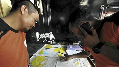 Indonesian pelastusviranomaiset etsivät eloonjääneitä laajalta alueelta.