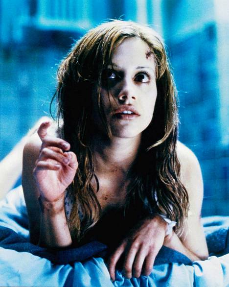Brittany Murphy kuvattuna elokuvassa Älä sano sanaakaan.