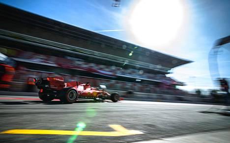Sebastian Vettel testiajossa.