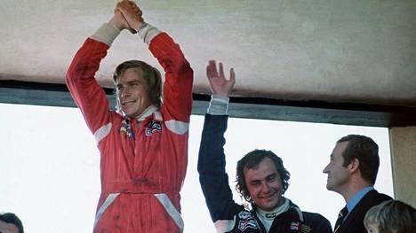 Vuonna 1976 F1-mestaruudesta käytiin dramaattinen taistelu itävaltalaisen Niki Laudan ja englantilaisen James Huntin välillä.