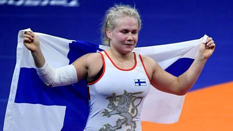 Petra Olli voitti kultaa painin MM-kisoissa syksyllä 2018.