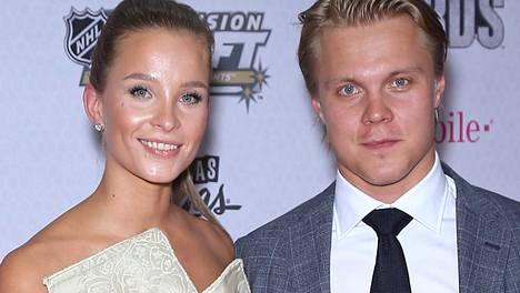 Emmi Kainulainen ja Mikael Granlund edustivat yhdessä NHL Awards -gaalassa viime vuonna.