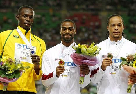 Bolt saavutti ensimmäisen MM-mitalinsa vuoden 2007 Osakan kisoissa. Tuolloin hän saavutti 200 metrillä hopeaa. Kultaa voitti Yhdysvaltojen Tyson Gay, pronssia niin ikään yhdysvaltalainen Wallace Spearmon.