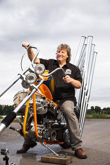 Vuoden lahtelaiseksi 2016 valittu yrittäjä Riku Routo pyörittää Suomen Moottoripyörämuseota ja Ace Corneria.