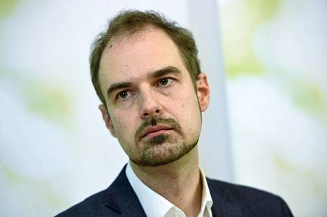 Vihreiden puoluesihteeri Lasse Miettinen kertoi Aallon päätöksestä puolueen tiedotustilaisuudessa keskiviikkona.