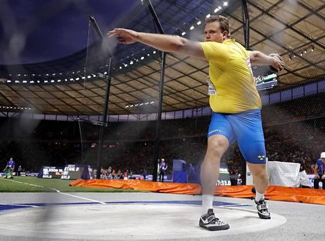 Daniel Ståhl heitti EM-hopeaa.