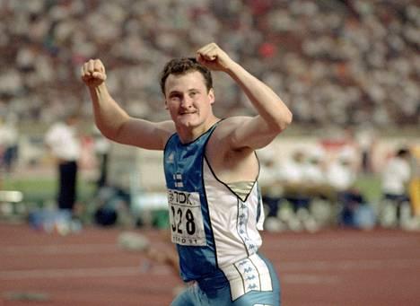 Kimmo Kinnunen voitti 23-vuotiaana MM-kultaa Tokiossa 1991.