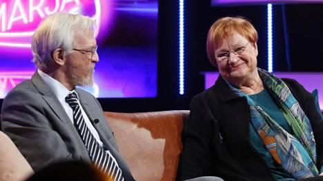 Presidenttipari hurmasi yleisönsä keskiviikkona alkaneessa Vappu & Marja Live -keskusteluohjelmassa.
