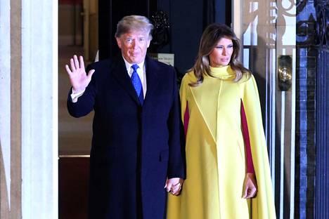 Donald ja Melania Trump Nato-johtajien vastaanotolla Downing Streetillä.