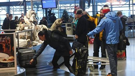 Rovaniemen lentokenttä marraskuussa 2014. Kuvituskuva.