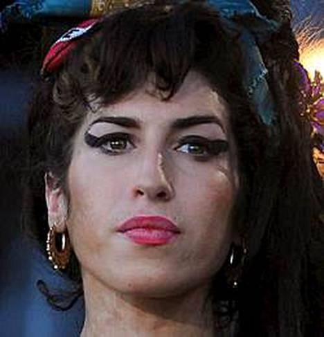 Amy Winehouse ei tule näkemään miestään kaltereiden ulkopuolella vielä pitkään aikaan.