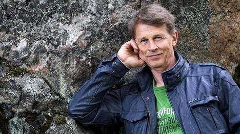Terveyssosiologian dosentti Markku Myllykangas sanoo, että ongelma on siinä, että kaikkiin ei järkipuhe tehoa.