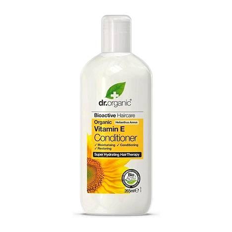 Dr. Organic Vitamin E Conditioner -hoitoaine on hiusten superkosteuttaja, 12,65 € / 265 ml.