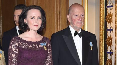 Jenni Haukio saapui kuninkaan illallisille Bulgarian entisen tsaarin käsipuolessa.