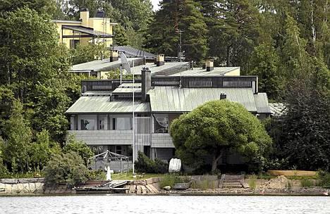 Liikemies Peter Fryckmanin talo ol ollut välillä myynnissä ja välillä ei.