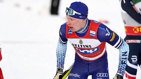 Iivo Niskanen hiihti vahvan hiihdon Lillehammerin viestissä. Kuva Rukan maailmancupista.