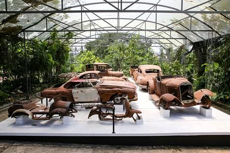 Escobarin rapistunut Hacienda Nápolesin luksusautojen kokoelma on esillä museossa.