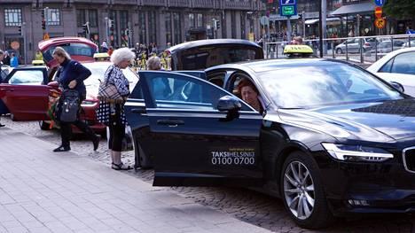 Taksiliikenteen mullistus hämmentää monia.