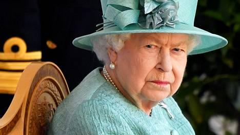 Asiantuntijat eivät pitäneet tavasta, jolla kuningatar Elisabetiin viitattiin Oprahin haastattelun maistiaisvideoissa.