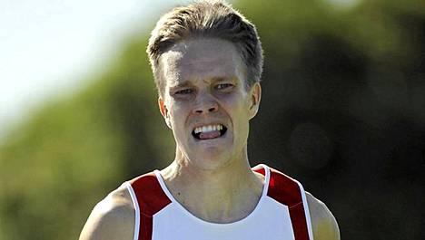 Matti Räsänen juoksi kauden kotimaisen kärkiajan 5000 metrillä.