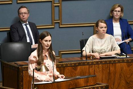 Pääministeri Sanna Marinin mukaan Suomi ei tavoittele koronastrategiassaan laumasuojaa, koska se on mahdollista saavuttaa vain rokotteella.