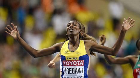 Abeba Aregawi voitti Ruotsin väreissä MM-kultaa Moskovassa 2013.