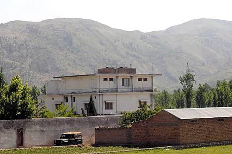 Täällä Osama bin Laden piileskeli ja tähän taloon Yhdysvaltain erikoisjoukot hänet surmasivat.