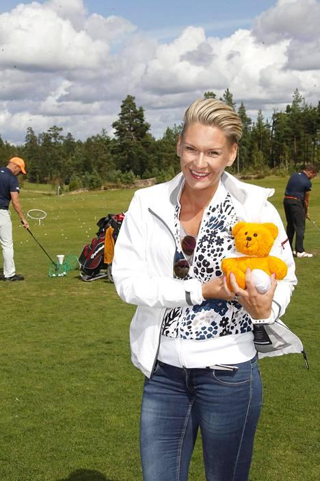 Heidi Sohlberg osallistui Lastenklinikoiden Kummien golf-tapahtumaan elokuun 10. päivä.